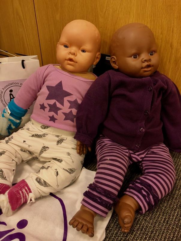 Två dockor